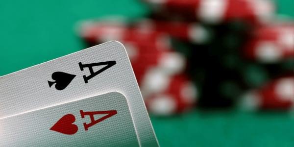 วิธีเล่น Ultimate Texas Hold 'em ออนไลน์